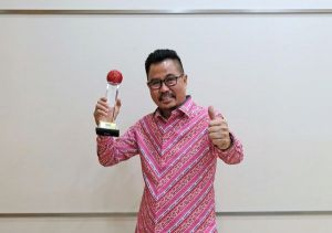 """Kembangkan UMKM Digital Lewat """"Teman Kreasi Indonesia"""", Smartfren Sukses Raih Penghargaan"""